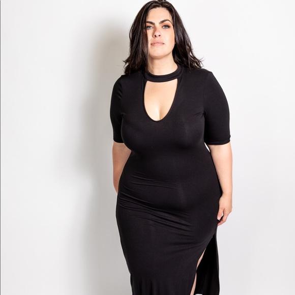 Plus Size Choker Detail Maxi Dress in Black Boutique